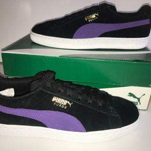 """New in box """"Classic"""" Suede Pumas"""